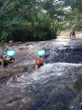 Terreno de 10 hectáreas con arroyo en Valenzuela