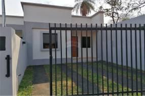 Chalet minimalista de 2 habitaciones en Villa Elisa