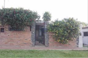 Casa en Luque zona Yka'a