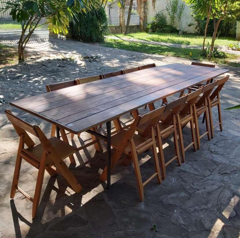 Tablón con 12 sillas plegables - 0