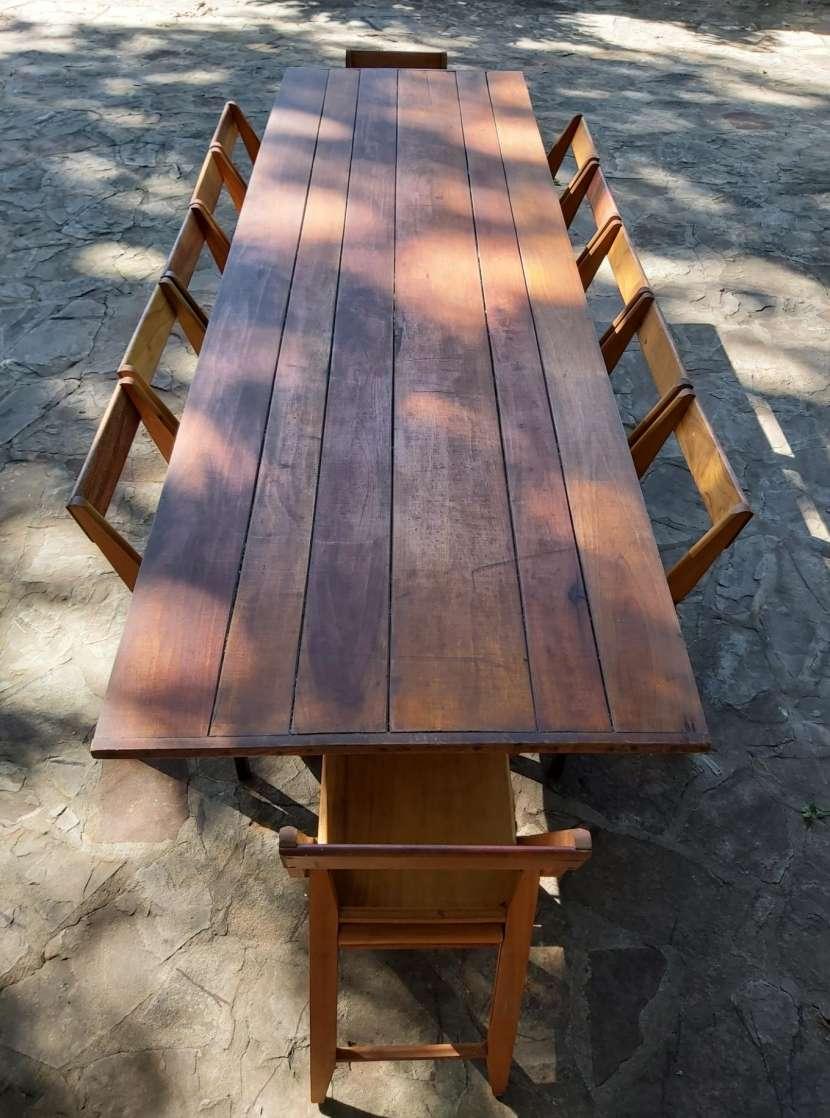 Tablón con 12 sillas plegables - 2
