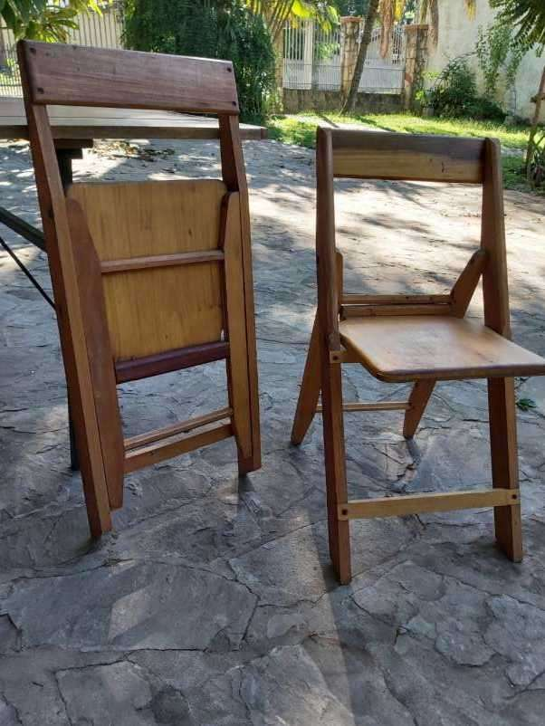 Tablón con 12 sillas plegables - 4