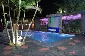 Casa c/ piscina en Reducto San Lorenzo
