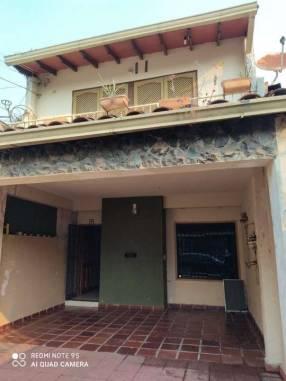 Casa tipo duplex en Asunción
