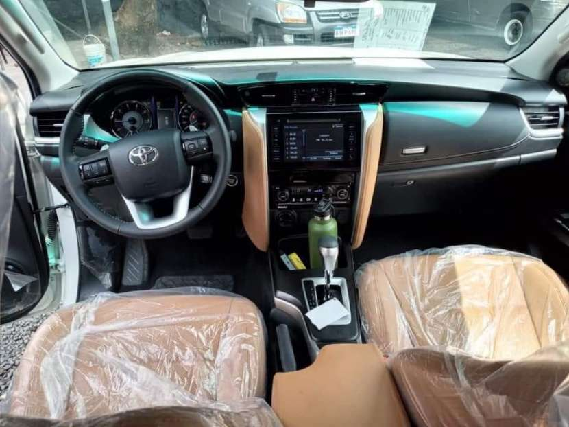 Toyota Fortuner 2021 0Km - 4