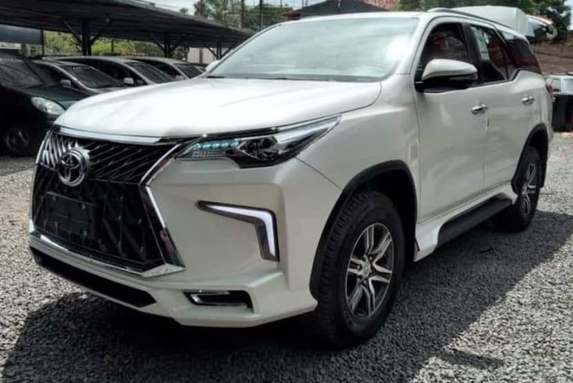 Toyota Fortuner 2021 0Km - 8