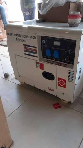 Generador VCP de 6 kva diésel cabinado