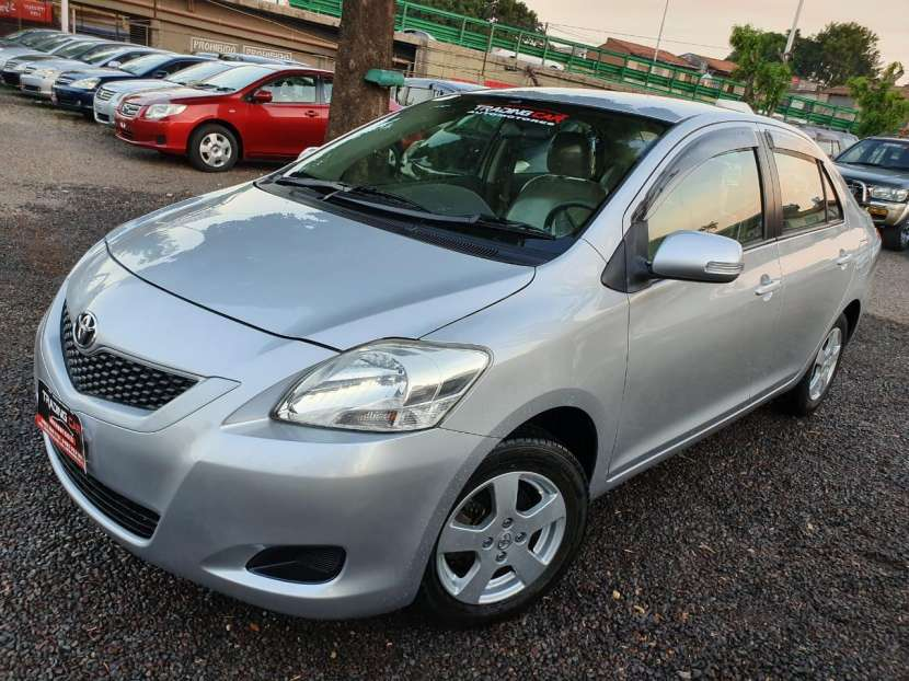 Toyota Belta 2010 - 2