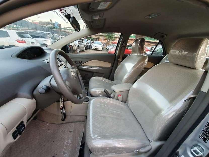 Toyota Belta 2010 - 4