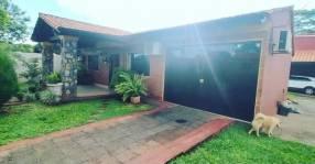 Casa en San Lorenzo villa industrial Y5503