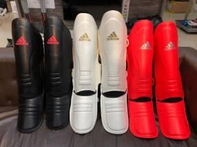 Canillera tibiales Adidas para Kickboxing Muay thai