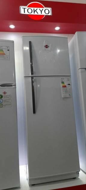 Heladera Tokyo frío húmedo de 340 litros
