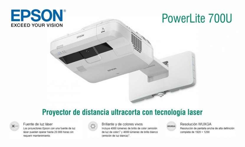 Proyector Epson PowerLite 700U - 0