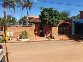Casa en Fernando de la Mora zona Sur E2350