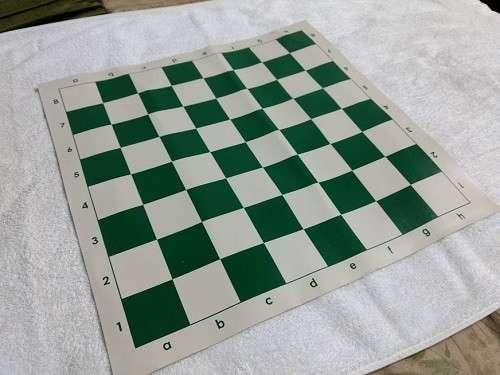 Tablero de ajedrez enrollable de 50x50 cm color verde - 1
