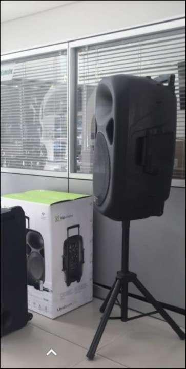 Caja de audio con micrófono - 1