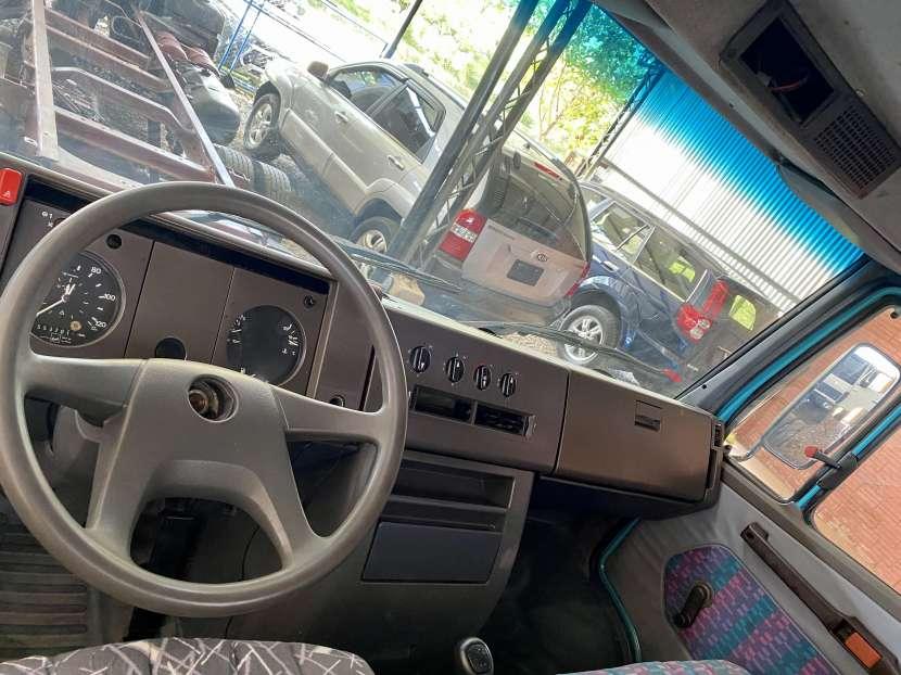 Camión Mercedes Benz 711D 1993 diésel mecánico - 4