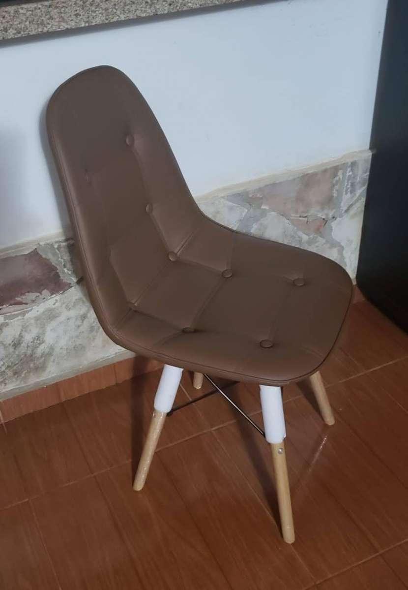 Silla Capitone Eames - 2