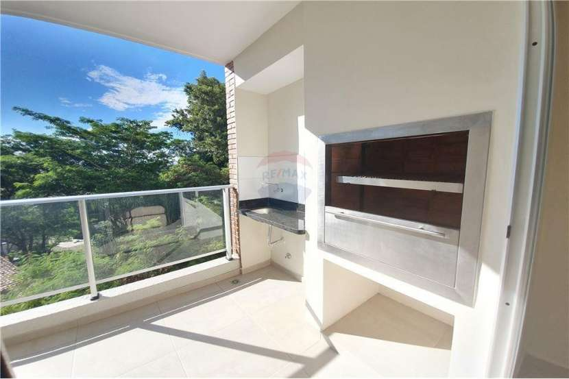 Departamento semi amoblado de 2 dormitorios home Villa Morra - 5