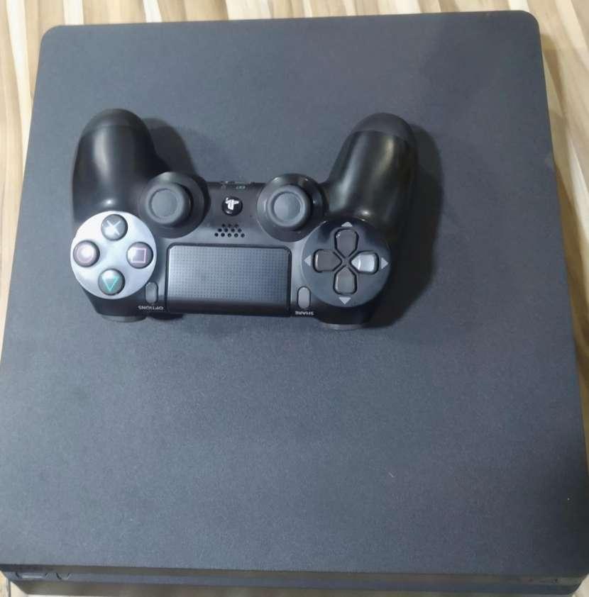 PS4 de 1 TB - 1