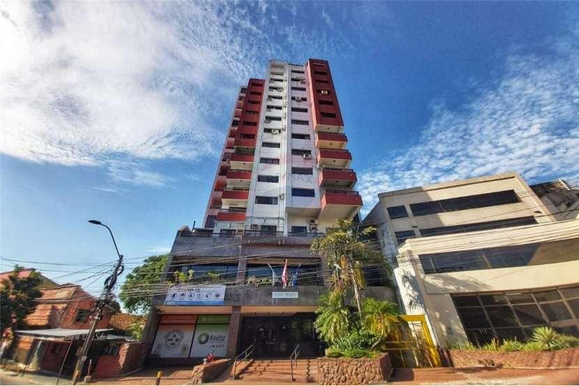 Departamento en edificio Faro del Rio con vista a la bahía de Asunción - 0