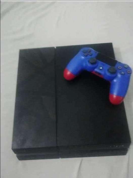 PS4 semi nuevo - 0