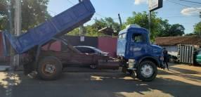 Camión tumba Mercedes Benz 1113