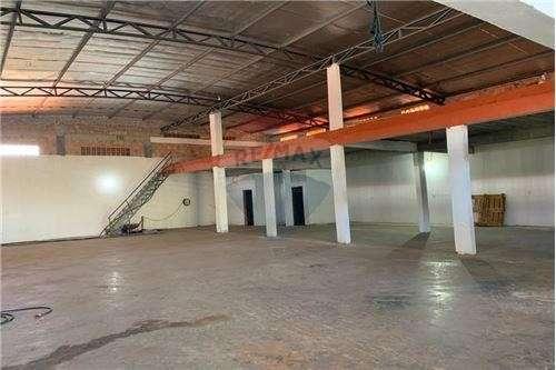 Depósito 610 m2 en San Lorenzo barrio Concordia - 2
