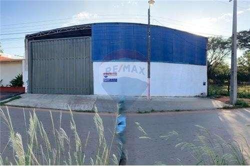 Depósito 610 m2 en San Lorenzo barrio Concordia - 0