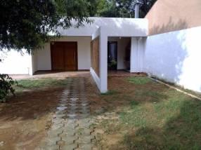 Casa a estrenar en San Lorenzo zona del Palacio de Justicia Y5509