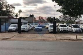 Plata de vehículos sobre Avelino Martínez