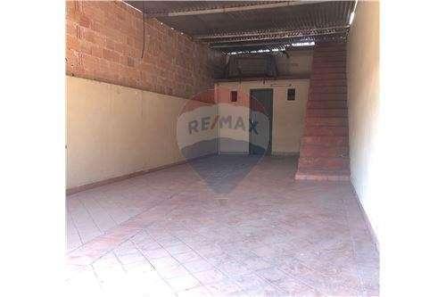 Salón comercial en Ñemby - 4