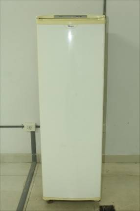 Freezer Whirlpool de 260 lts