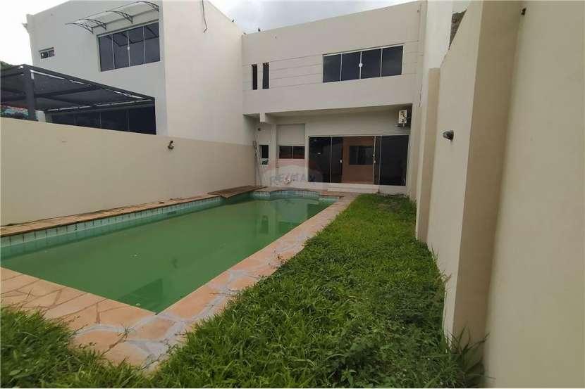 Duplex con piscina en Lambaré - 7