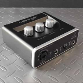 Interfaz de audio behringer u-phoria UM2