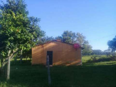 Casa con terrenos - 0