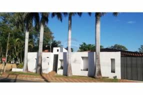Casa En Esquina En Bo Herrera
