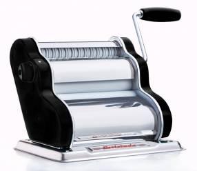Máquina para pasta casera Pastalinda negra