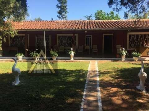 Casa quinta con 12 hectáreas en Cordillera entre Caacupé y Barrero - 0