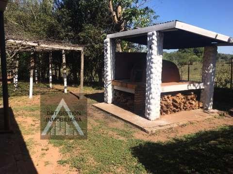 Casa quinta con 12 hectáreas en Cordillera entre Caacupé y Barrero - 1