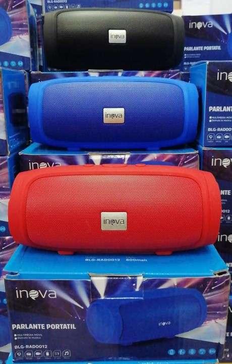 Parlante Portátil Inova con USB y Bluetooth - 0