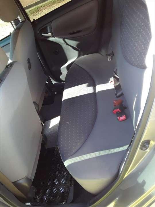 Toyota Vitz 2004 - 7