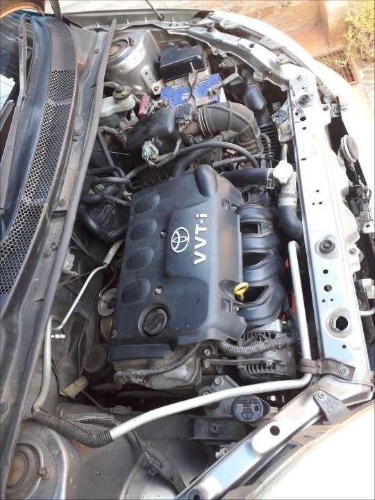 Toyota Vitz 2004 - 8