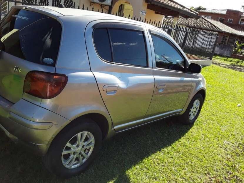 Toyota Vitz 2004 - 3