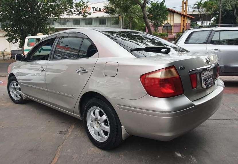 Toyota premio 2002 - 3