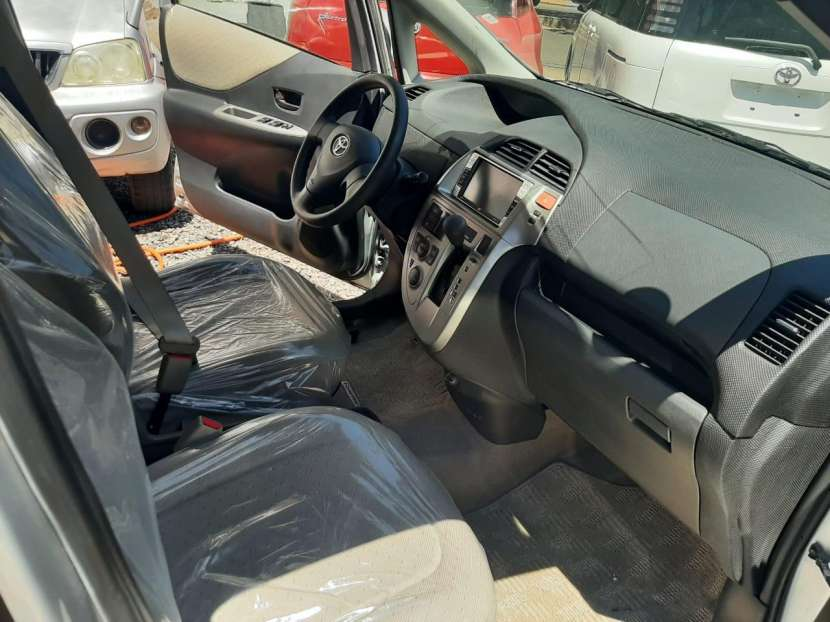 Toyota Ractis 2006 - 3