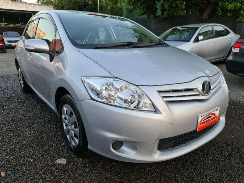 Toyota Auris 2010 - 0