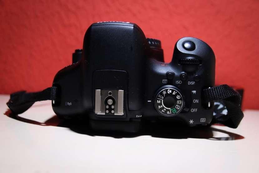Cámara fotográfica Canon Rebel T6i - 6
