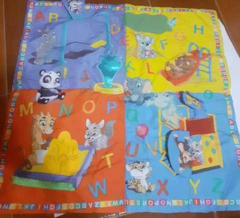 Libro juguete y alfombra para bebés - 2