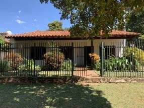 Casa en esquina en Isla Bogado Luque
